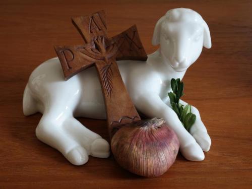easter-dates-cross-lamb_full_width